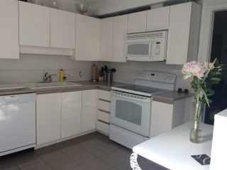 """Photo 10: 203 2223 W BROADWAY in Vancouver: Kitsilano Condo for sale in """"NEW POINTE TERRACE"""" (Vancouver West)  : MLS®# R2138033"""