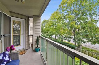 """Photo 21: 105 5450 208 Street in Langley: Langley City Condo for sale in """"MONTGOMERY GATE"""" : MLS®# R2509273"""