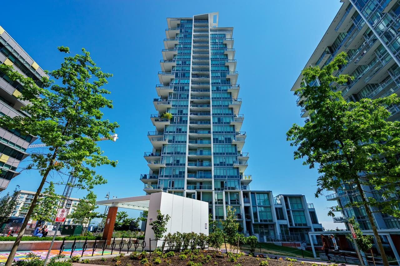 """Main Photo: 503 258 NELSON'S Court in New Westminster: Sapperton Condo for sale in """"THE COLUMBIA"""" : MLS®# R2611944"""