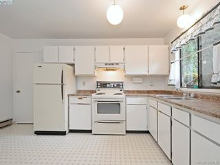 Photo 8: 2973 Almartin Pl in VICTORIA: Co Hatley Park Half Duplex for sale (Colwood)  : MLS®# 769766