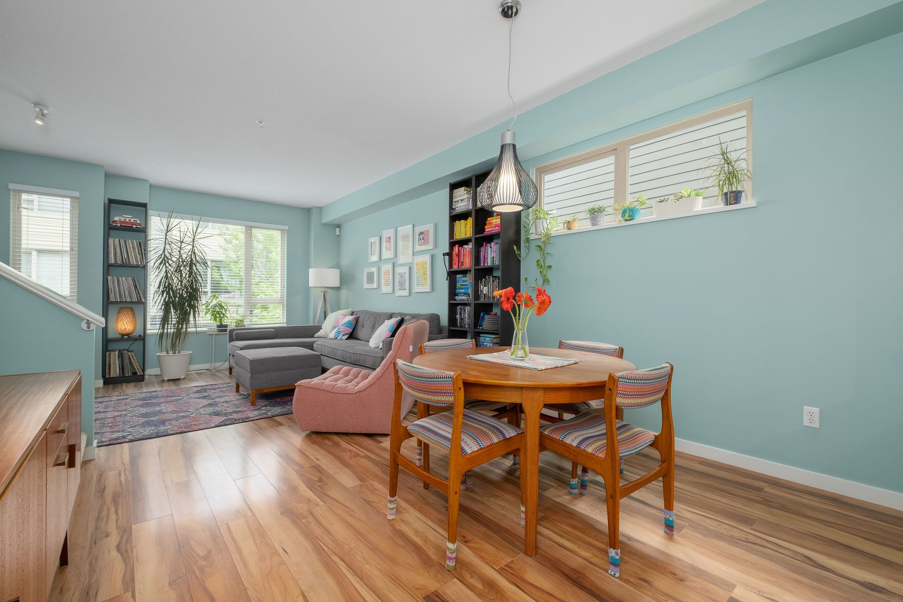 """Photo 8: Photos: 28 9229 UNIVERSITY Crescent in Burnaby: Simon Fraser Univer. Townhouse for sale in """"SERENITY"""" (Burnaby North)  : MLS®# R2589602"""