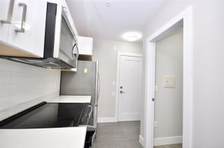 """Photo 3: 302 3939 KNIGHT Street in Vancouver: Knight Condo for sale in """"KENSINGTON POINT"""" (Vancouver East)  : MLS®# R2436782"""