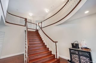 Photo 3: 2585 WESTHILL Way in West Vancouver: Westhill House for sale : MLS®# R2589004