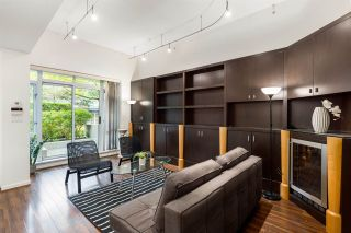 Photo 5: 2G 1067 MARINASIDE Crescent in Vancouver: Yaletown Townhouse for sale (Vancouver West)  : MLS®# R2590962