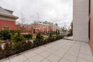 """Photo 13: 512 7128 ADERA Street in Vancouver: South Granville Condo for sale in """"SHANNON WALL CENTRE"""" (Vancouver West)  : MLS®# R2372265"""
