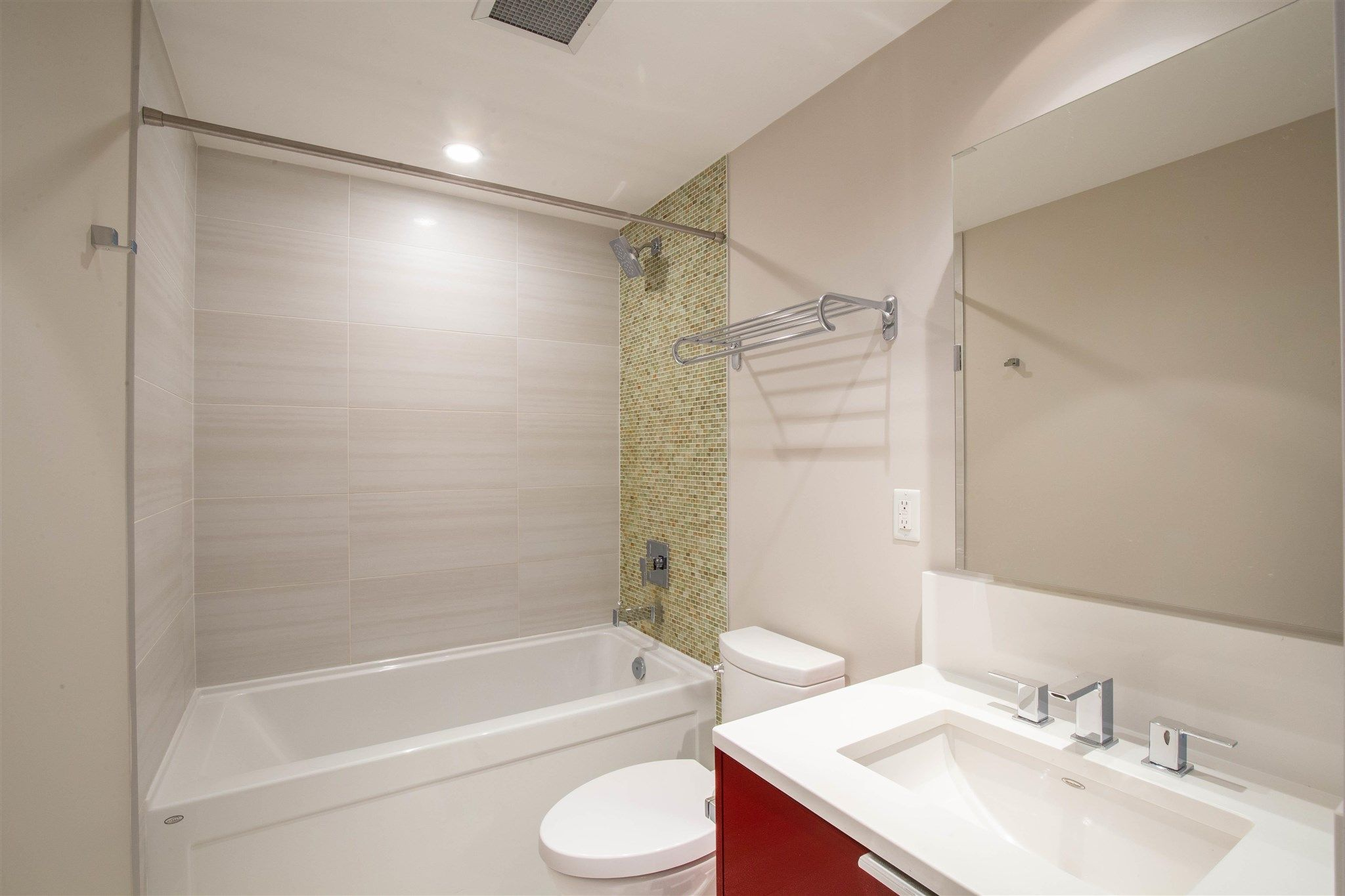 """Photo 4: Photos: 235 1777 W 7TH Avenue in Vancouver: Fairview VW Condo for sale in """"KITS 360"""" (Vancouver West)  : MLS®# R2607032"""