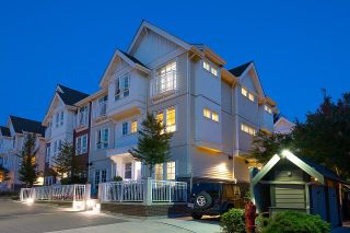 """Photo 2: 2127 SPRING Street in Port Moody: Port Moody Centre Townhouse for sale in """"EDGESTONE"""" : MLS®# R2614994"""