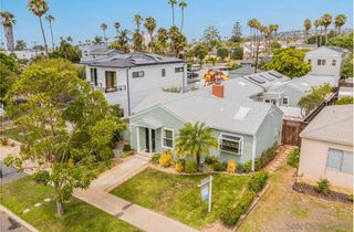 Photo 7: PACIFIC BEACH House for sale : 4 bedrooms : 1212 Diamond St. in San Diego