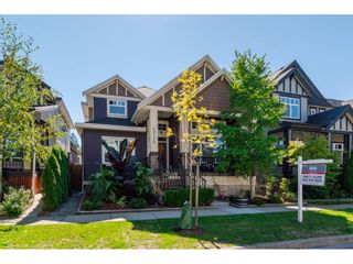 Photo 2: 19418 72A Avenue in Surrey: Clayton House for sale (Cloverdale)  : MLS®# R2106824