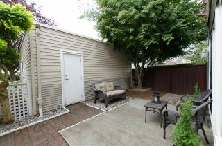 "Photo 4: 1 5635 LADNER TRUNK Road in Delta: Hawthorne Townhouse for sale in ""Hawthorne"" (Ladner)  : MLS®# R2106252"