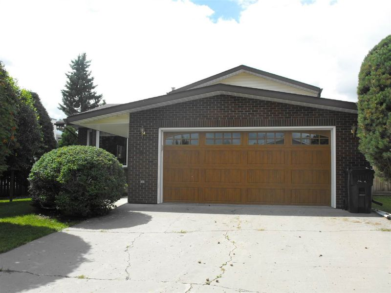 FEATURED LISTING: 5110 54A Street Elk Point