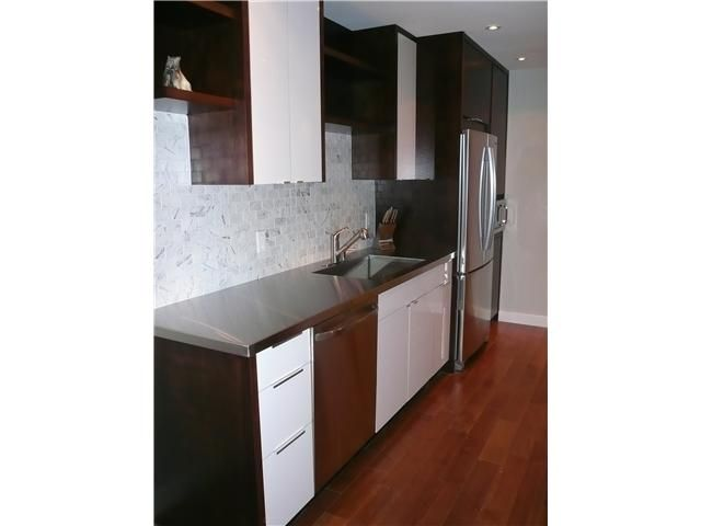 """Main Photo: 1575 Balsam in Vancouver: Kitsilano Condo for sale in """"Balsam West"""" (Vancouver West)  : MLS®# V846532"""
