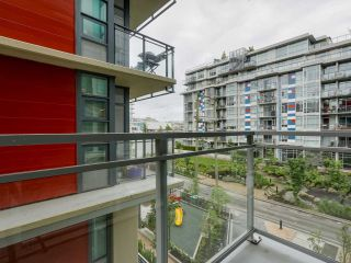"""Photo 8: 310 88 W 1ST Avenue in Vancouver: False Creek Condo for sale in """"THE ONE"""" (Vancouver West)  : MLS®# R2077463"""
