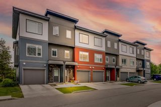 Photo 1: 1102 5305 32 Avenue SW in Calgary: Glenbrook Row/Townhouse for sale : MLS®# A1126804