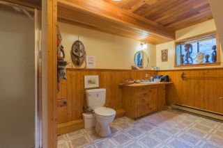 "Photo 13: 7934 SOUTHWOOD Road in Halfmoon Bay: Halfmn Bay Secret Cv Redroofs House for sale in ""Welcome Woods"" (Sunshine Coast)  : MLS®# R2349359"