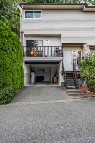 """Photo 3: 13 32705 FRASER Crescent in Mission: Mission BC Townhouse for sale in """"BLACK BEAR ESTATES"""" : MLS®# R2382548"""