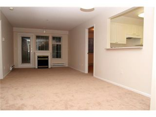 """Photo 3: 204 1369 56TH Street in Tsawwassen: Cliff Drive Condo for sale in """"Windsor Woods"""" : MLS®# V862254"""