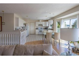 Photo 8: 6775 Danica Pl in VICTORIA: CS Martindale House for sale (Central Saanich)  : MLS®# 740131