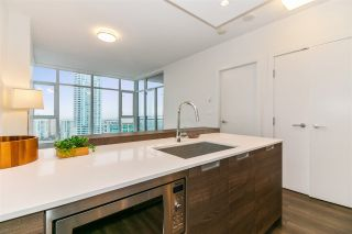 """Photo 4: 2902 4688 KINGSWAY in Burnaby: Metrotown Condo for sale in """"Station Square"""" (Burnaby South)  : MLS®# R2235331"""
