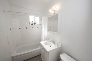 Photo 6: CLAIREMONT House for sale : 3 bedrooms : 5021 Glasgow Dr in San Diego