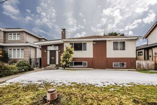 Photo 2: 5340 SPRUCE Street in Burnaby: Deer Lake Place House for sale (Burnaby South)  : MLS®# R2349190