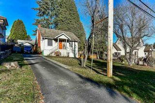 Photo 2: 1211 THOMAS Avenue in Coquitlam: Maillardville House for sale : MLS®# R2326786