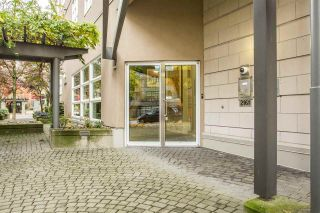 """Photo 4: 306 2161 W 12TH Avenue in Vancouver: Kitsilano Condo for sale in """"The Carlings"""" (Vancouver West)  : MLS®# R2319744"""