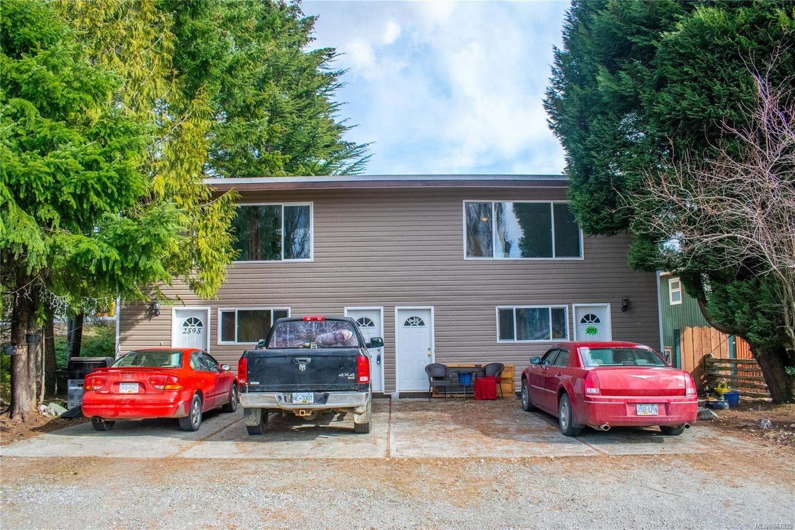 Main Photo: 2595 2nd Ave in : PA Alberni Valley Full Duplex for sale (Port Alberni)  : MLS®# 861925