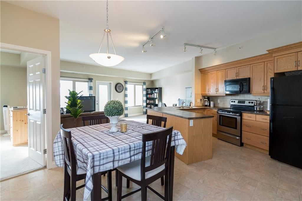 Photo 5: Photos: 419 1205 St Anne's Road in Winnipeg: River Park South Condominium for sale (2F)  : MLS®# 202101052
