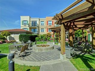 Photo 3: 208 1620 McKenzie Ave in VICTORIA: SE Lambrick Park Condo for sale (Saanich East)  : MLS®# 728971