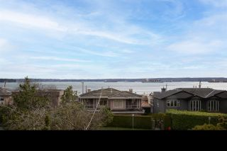 Photo 2: 2349 MARINE Drive in West Vancouver: Dundarave 1/2 Duplex for sale : MLS®# R2591585