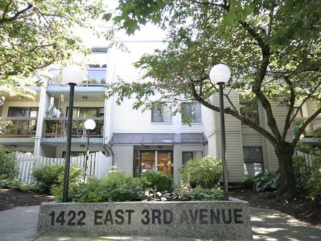 Main Photo: 210 1422 E 3RD Avenue in Vancouver: Grandview VE Condo for sale (Vancouver East)  : MLS®# V969197