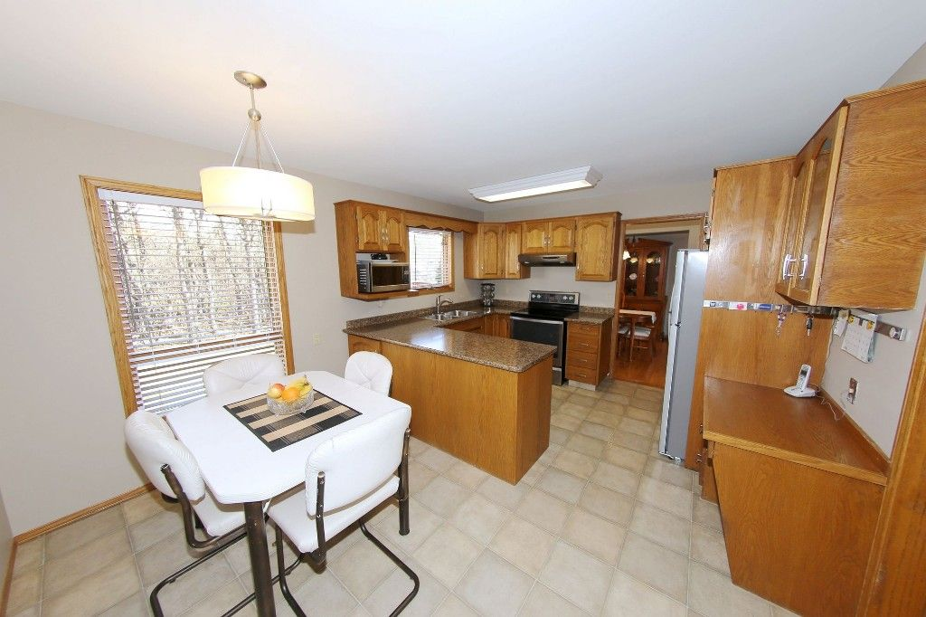 Photo 11: Photos: 123 Hunterspoint Road in Winnipeg: Charleswood Single Family Detached for sale (1G)  : MLS®# 1707500