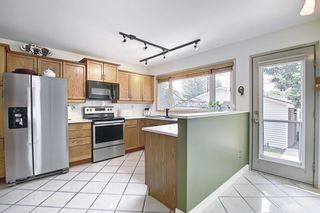 Photo 16: 30 Wakefield Drive SW in Calgary: Westgate Detached for sale : MLS®# A1136370