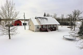 Photo 1: 2076 34E Road in Gardenton: R17 Residential for sale : MLS®# 202100065