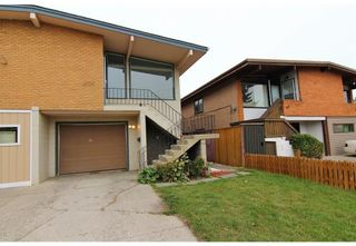 Photo 1: 524 34 Avenue NE in Calgary: Winston Heights/Mountview Semi Detached for sale : MLS®# A1078627