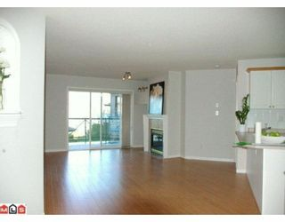 """Photo 2: 232 22150 48TH Avenue in Langley: Murrayville Condo for sale in """"EAGLECREST"""" : MLS®# F1003427"""
