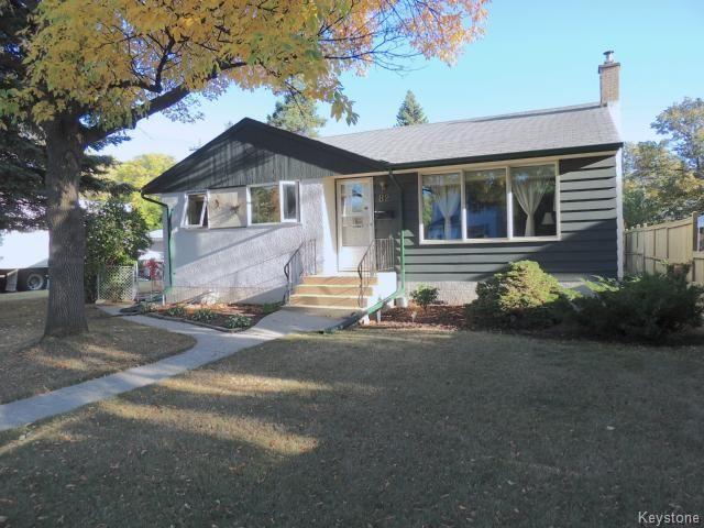 Main Photo: 82 Fernwood: Residential  : MLS®# 1321529