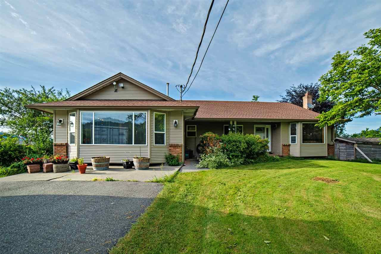 "Main Photo: 39237 VYE Road in Abbotsford: Sumas Prairie House for sale in ""SUMAS FLATS"" : MLS®# R2067676"