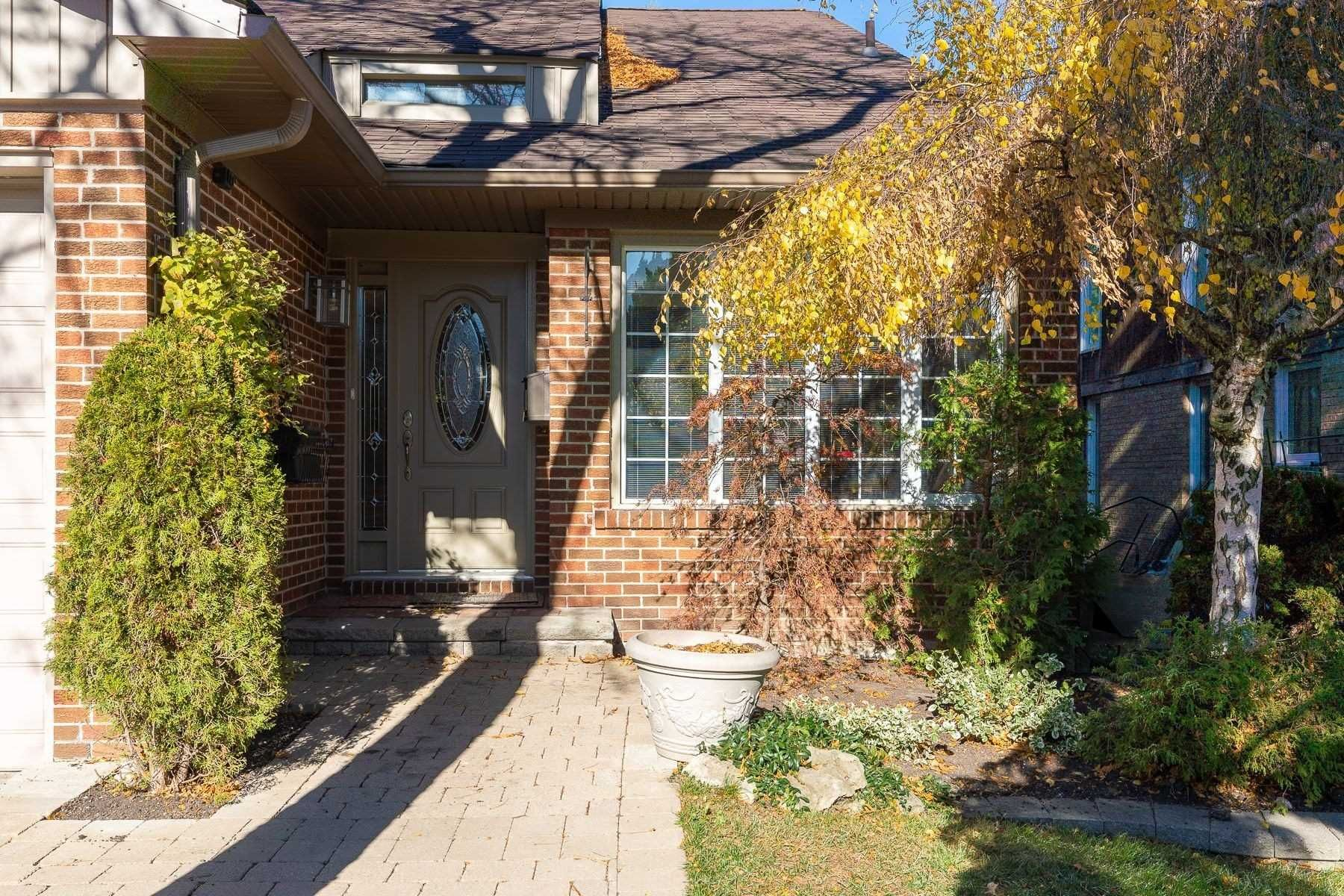 Main Photo: 68 Kings College Road in Markham: Aileen-Willowbrook House (2-Storey) for sale : MLS®# N4990400