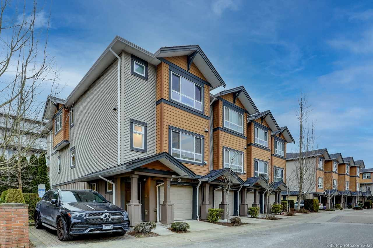"""Main Photo: 16 9420 FERNDALE Road in Richmond: McLennan North Townhouse for sale in """"SPRINGLEAF"""" : MLS®# R2537148"""