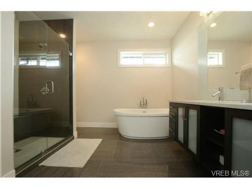 Photo 12: Photos: 1001 Arngask Ave in VICTORIA: La Bear Mountain House for sale (Langford)  : MLS®# 728828