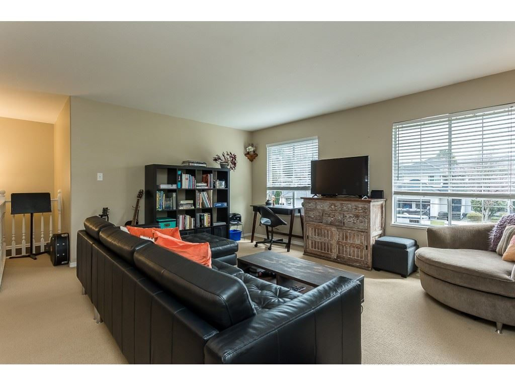 Photo 11: Photos: 35275 BELANGER Drive in Abbotsford: Abbotsford East House for sale : MLS®# R2558993