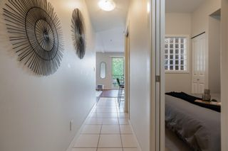 """Photo 2: 302 10455 UNIVERSITY Drive in Surrey: Whalley Condo for sale in """"d'Cor"""" (North Surrey)  : MLS®# R2601458"""