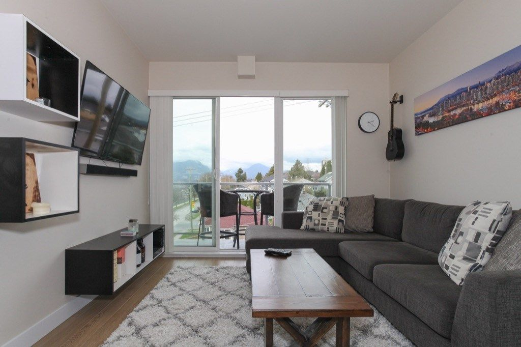 """Photo 15: Photos: PH5 388 KOOTENAY Street in Vancouver: Hastings East Condo for sale in """"VIEW 388"""" (Vancouver East)  : MLS®# R2150630"""