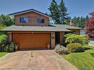 Photo 1: 2774 Kristina Pl in VICTORIA: La Fairway House for sale (Langford)  : MLS®# 612437