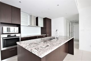 "Photo 3: 2701 1028 BARCLAY Street in Vancouver: West End VW Condo for sale in ""Patina"" (Vancouver West)  : MLS®# R2499439"