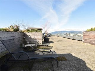 """Photo 18: 408 1445 MARPOLE Avenue in Vancouver: Fairview VW Condo for sale in """"HYCROFT TOWERS"""" (Vancouver West)  : MLS®# R2047974"""