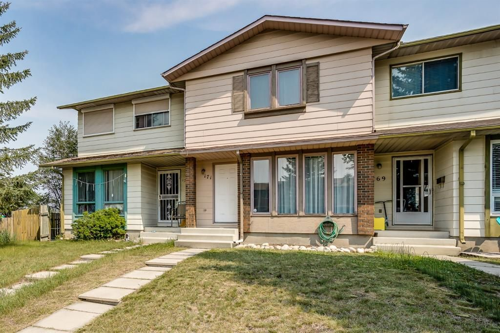 Main Photo: 171 Midbend Place SE in Calgary: Midnapore Row/Townhouse for sale : MLS®# A1134046