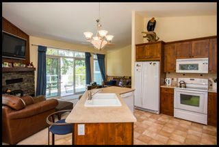 Photo 39: 3513 Eagle Bay Road in Eagle Bay: Waterfront House for sale : MLS®# 10100248
